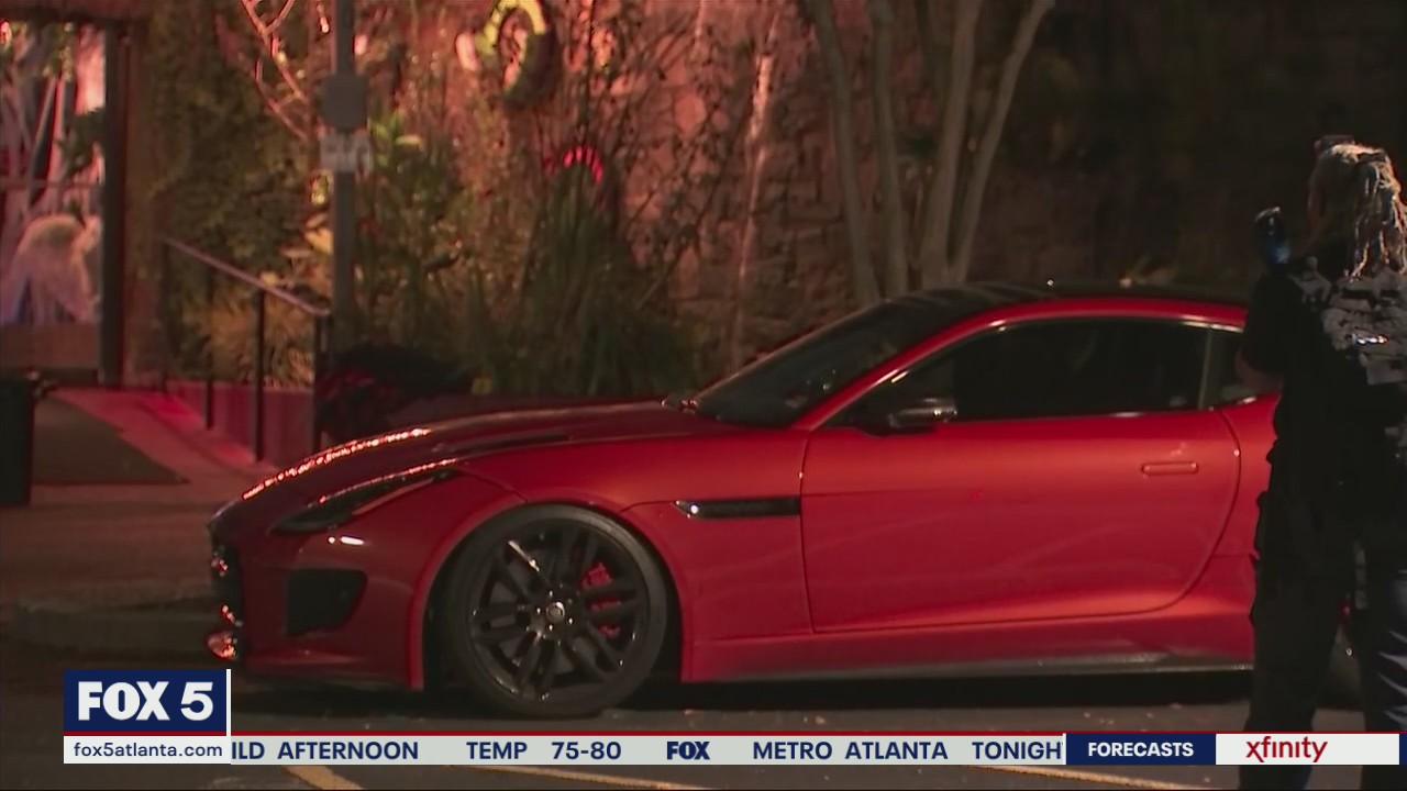 One killed in fight over vehicle in Atlanta neighborhood