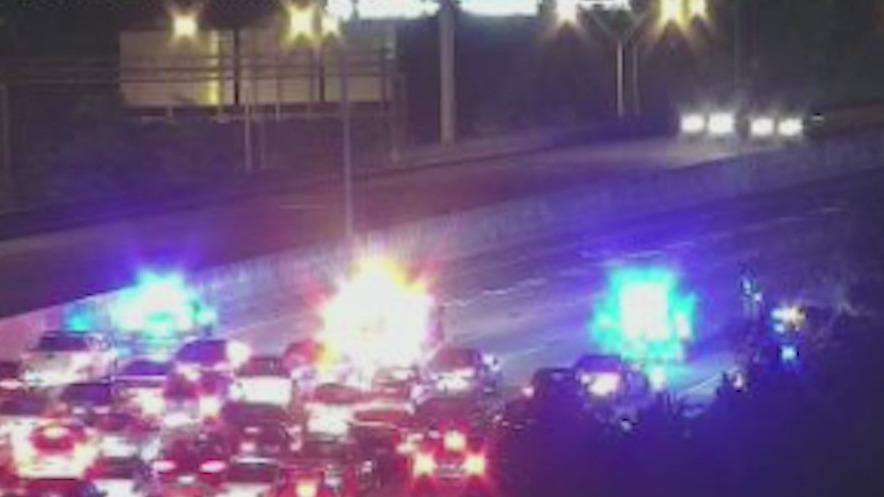 Multi-vehicle wreck shut down I-85 in Atlanta for hours