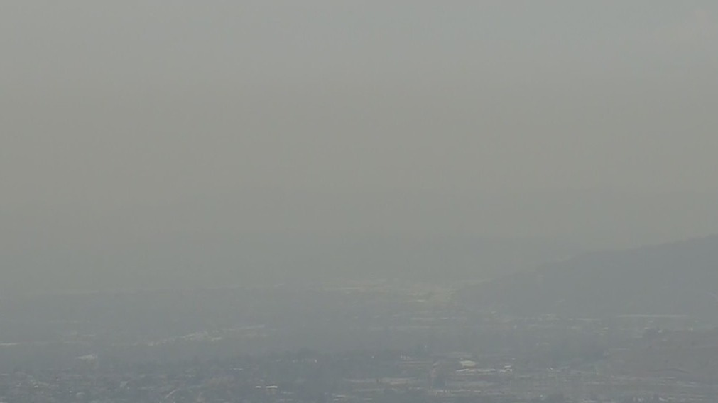 Wildfire smoke from NorCal hovers over skies across Southland
