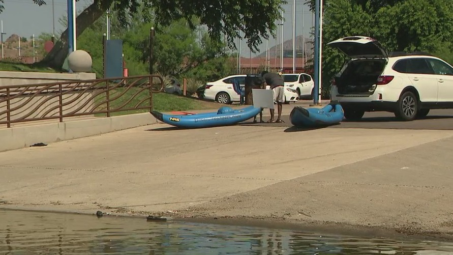 Paddleboarding prohibited on Tempe Town Lake over Labor Day weekend due to algae bloom