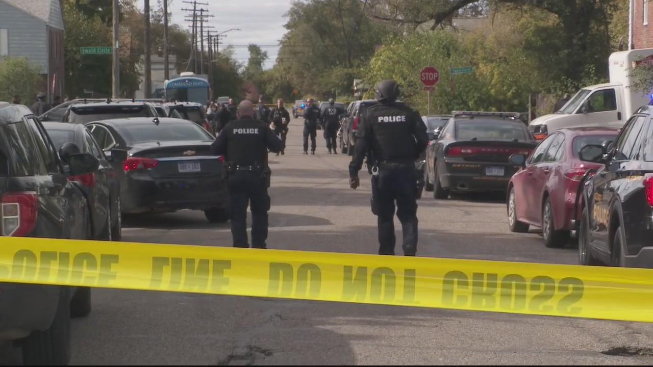Murder suspect kills self after barricaded standoff inside home