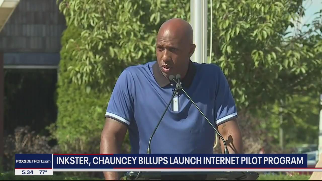 Chauncey Billups, Flagstar bank bring pilot broadband program to Inkster