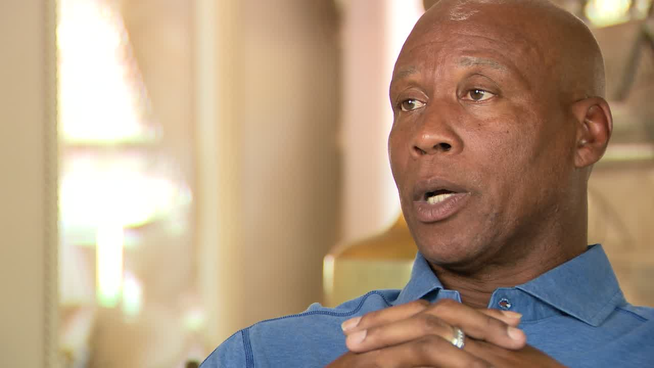 'We were just shooting free throws': Byron Scott reflects on the day teammate Magic Johnson shocked the world