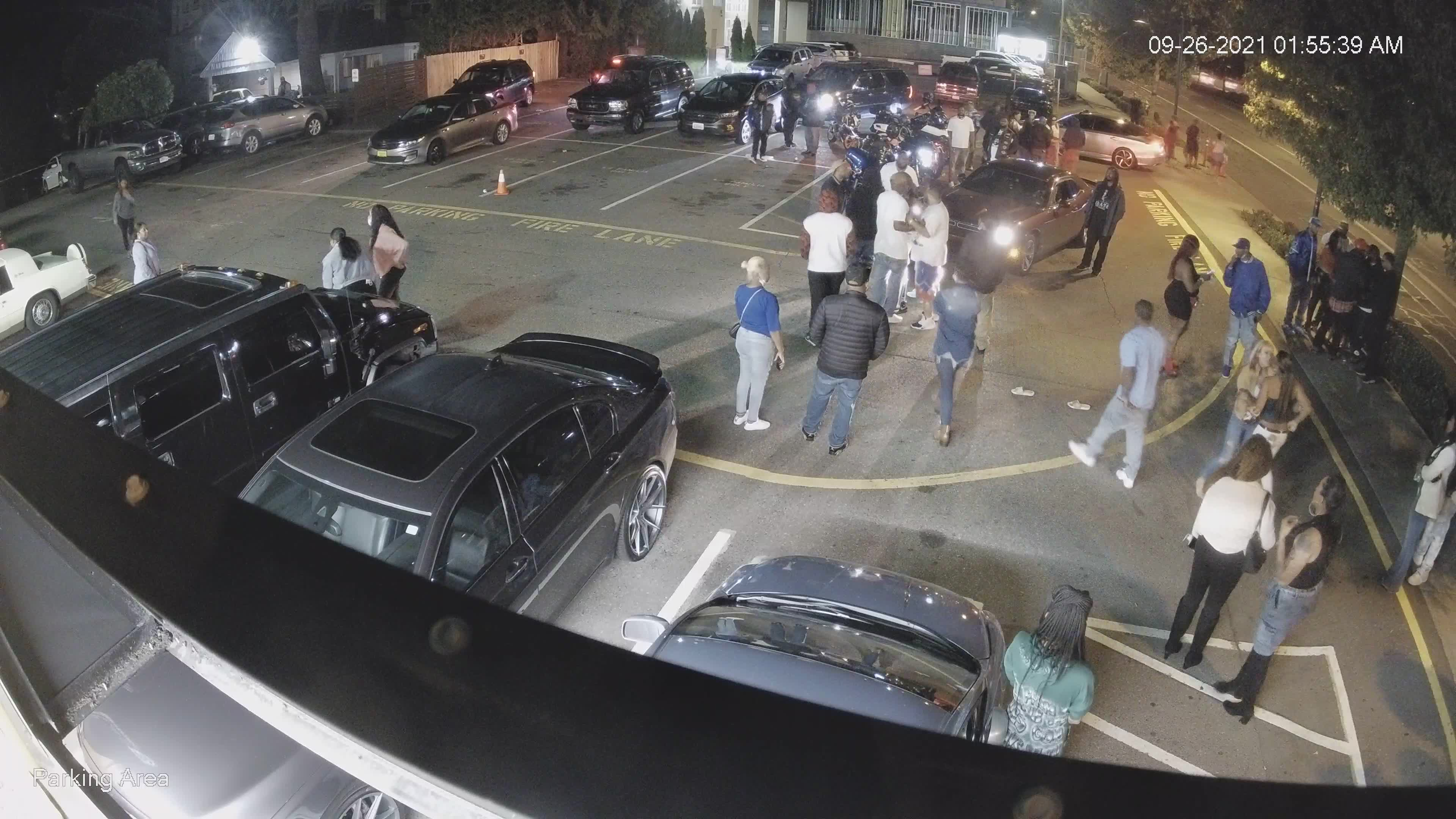 Des Moines police release surveillance footage of moments before deadly shooting